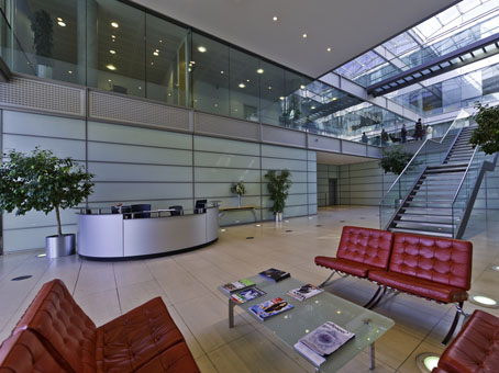 Building 3 chiswick park 566 chiswick high road w4 5ya - Small office space london property ...